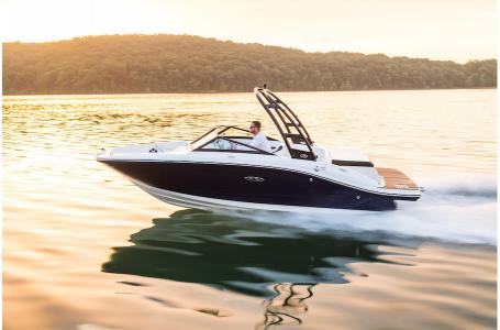 2019 Sea Ray boat for sale, model of the boat is SPX 190 & Image # 2 of 10