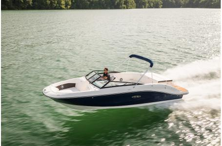 2019 Sea Ray boat for sale, model of the boat is SPX 230 & Image # 5 of 9