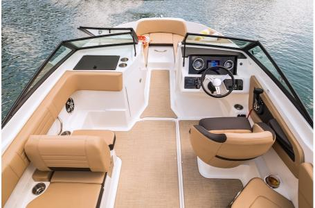 2019 Sea Ray boat for sale, model of the boat is SPX 210 OB & Image # 6 of 9
