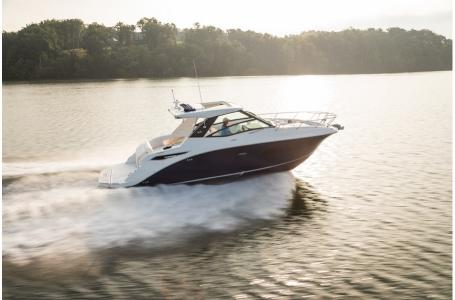 2019 Sea Ray boat for sale, model of the boat is Sundancer 320 & Image # 2 of 17