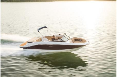 2019 Sea Ray boat for sale, model of the boat is SPX 210 & Image # 2 of 9