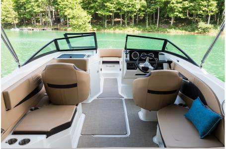 2019 Sea Ray boat for sale, model of the boat is 210 SPX & Image # 6 of 9