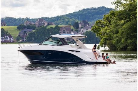 2019 Sea Ray boat for sale, model of the boat is Sundancer 320 & Image # 5 of 17