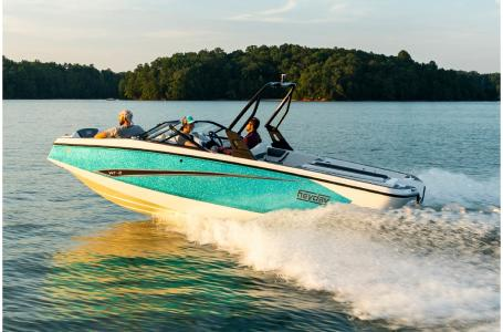 2019 Heyday boat for sale, model of the boat is WT-2DC & Image # 1 of 8