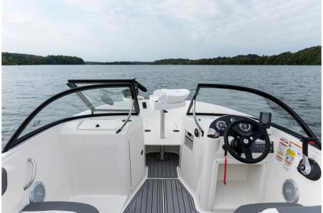 2019 Bayliner boat for sale, model of the boat is 210 Element & Image # 6 of 7