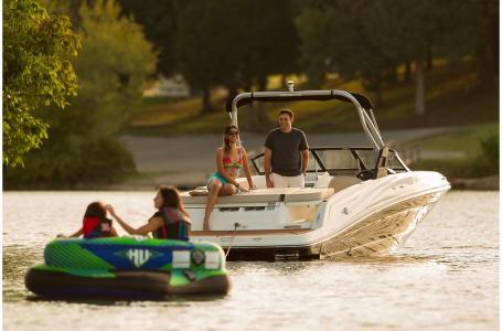 2019 Bayliner boat for sale, model of the boat is VR5 Bowrider & Image # 6 of 20