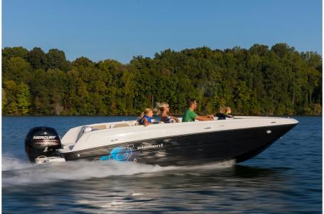 2019 Bayliner boat for sale, model of the boat is Element E21 & Image # 6 of 22