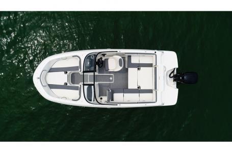 2019 Bayliner boat for sale, model of the boat is VR4 Bowrider & Image # 8 of 21