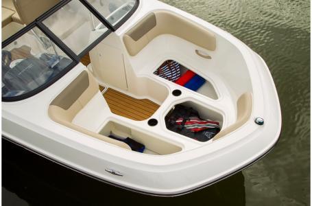 2019 Bayliner boat for sale, model of the boat is VR6 Bowrider & Image # 4 of 10