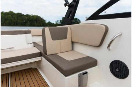 2019 Bayliner boat for sale, model of the boat is VR4 Bowrider & Image # 12 of 21