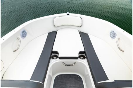 2019 Bayliner boat for sale, model of the boat is VR4 Bowrider & Image # 4 of 6