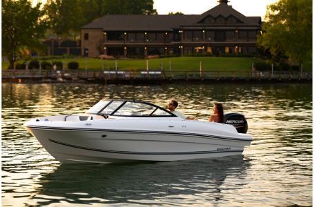2019 Bayliner boat for sale, model of the boat is VR4 Bowrider & Image # 7 of 21