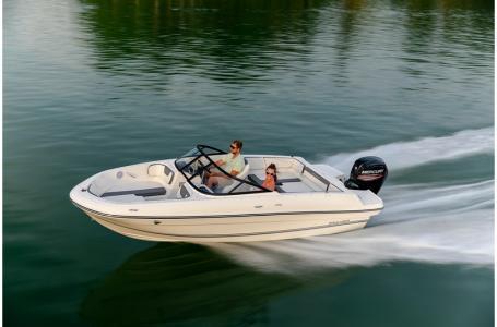 2019 Bayliner boat for sale, model of the boat is VR4 Bowrider & Image # 6 of 21