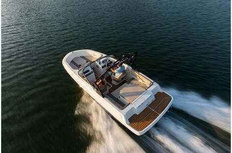 2019 Bayliner boat for sale, model of the boat is VR4 Bowrider & Image # 5 of 21