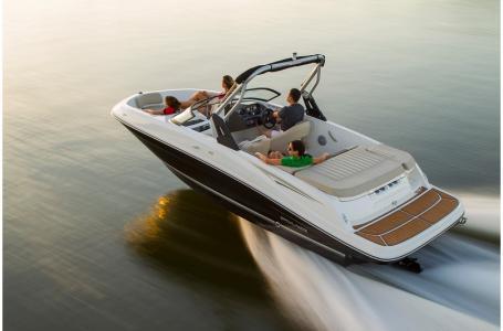 2019 Bayliner boat for sale, model of the boat is VR5 Bowrider & Image # 4 of 20