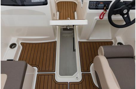 2019 Bayliner boat for sale, model of the boat is VR4 Bowrider & Image # 11 of 21