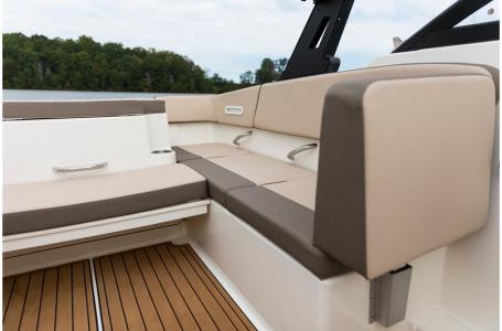 2019 Bayliner boat for sale, model of the boat is VR4 Bowrider & Image # 13 of 21