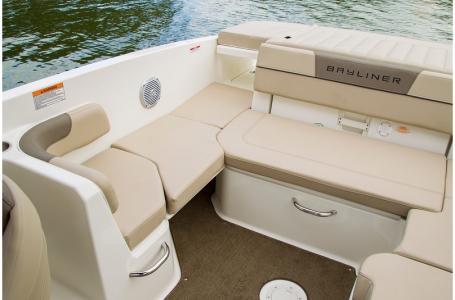 2019 Bayliner boat for sale, model of the boat is VR6 Bowrider & Image # 2 of 10