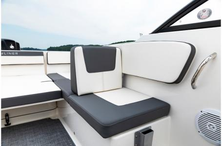 2019 Bayliner boat for sale, model of the boat is VR4 Bowrider & Image # 19 of 21