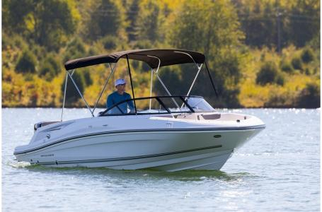 2019 Bayliner boat for sale, model of the boat is VR5 Bowrider OB & Image # 17 of 17