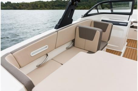 2019 Bayliner boat for sale, model of the boat is VR4 Bowrider Outboard & Image # 11 of 19