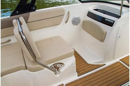 2019 Bayliner boat for sale, model of the boat is VR6 Bowrider & Image # 5 of 10