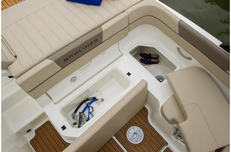 2019 Bayliner boat for sale, model of the boat is VR6 Bowrider & Image # 3 of 10