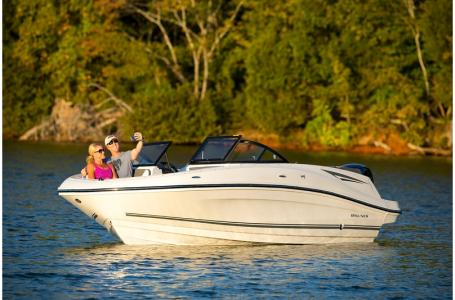 2019 Bayliner boat for sale, model of the boat is VR5 Bowrider & Image # 10 of 22