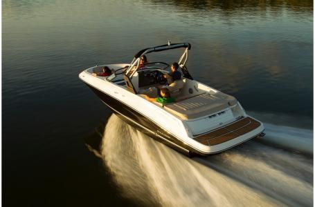 2019 Bayliner boat for sale, model of the boat is VR5 Bowrider & Image # 5 of 20