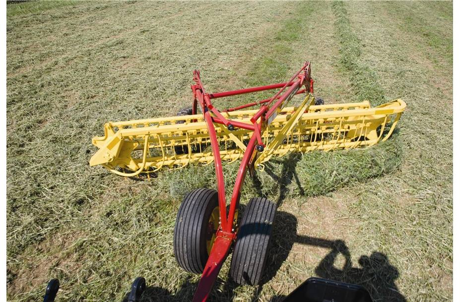 2019 New Holland Agriculture Rolabar® Rakes 216 Unitized for sale in