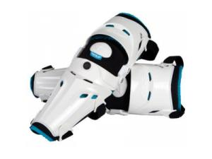 5 Pivot Knee Guard