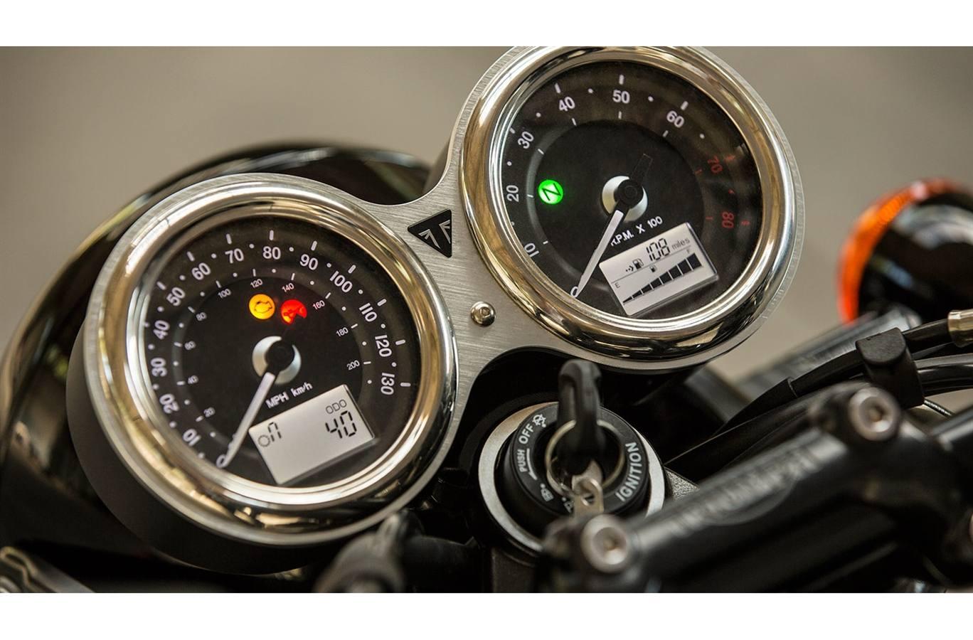 2020 Triumph Bonneville T100 Black Matte For Sale In Westshore Bc Imc Victoria Victoria Bc 250 474 2088