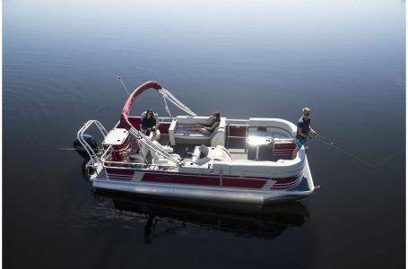 2020 SunChaser boat for sale, model of the boat is Geneva Fish 22 Fish DLX & Image # 4 of 15