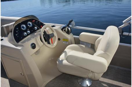 2020 SunChaser boat for sale, model of the boat is Geneva Fish 22 Fish DLX & Image # 10 of 15