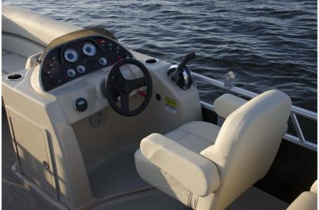 2020 SunChaser boat for sale, model of the boat is Geneva Cruise 22 LR DH & Image # 9 of 10