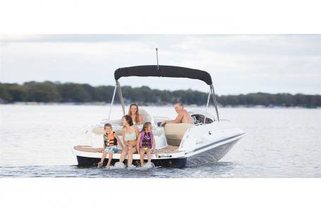 2021 Hurricane boat for sale, model of the boat is SunDeck Sport 202 IO & Image # 5 of 8