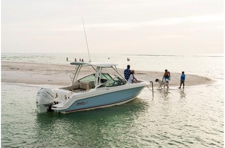 2021 Boston Whaler boat for sale, model of the boat is 240 Vantage & Image # 6 of 6