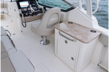 2021 Boston Whaler boat for sale, model of the boat is 240 Vantage & Image # 2 of 6