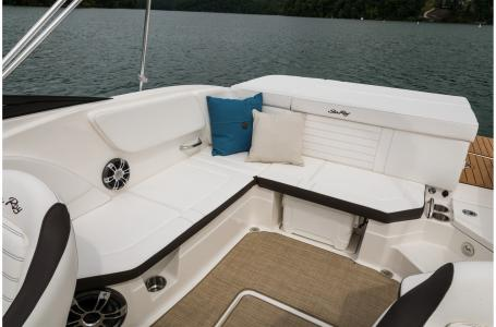2021 Sea Ray boat for sale, model of the boat is SPX 230 & Image # 4 of 7