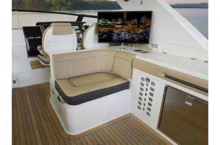 2021 Sea Ray boat for sale, model of the boat is SLX 400 & Image # 5 of 7