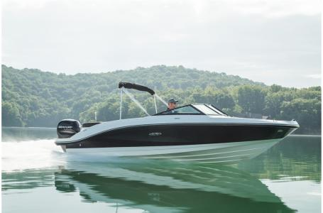 2021 Sea Ray boat for sale, model of the boat is SPX 210 Outboard & Image # 6 of 7
