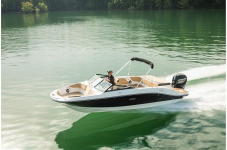 2021 Sea Ray boat for sale, model of the boat is SPX 210 Outboard & Image # 1 of 7