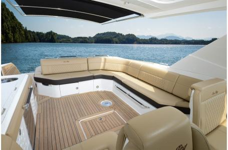 2021 Sea Ray boat for sale, model of the boat is SLX 400 & Image # 4 of 7