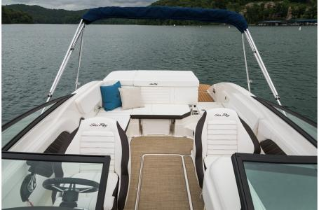 2021 Sea Ray boat for sale, model of the boat is SPX 230 & Image # 3 of 7