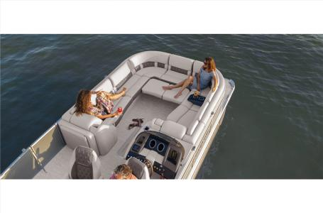 2021 Bennington boat for sale, model of the boat is 25 RSB & Image # 17 of 27