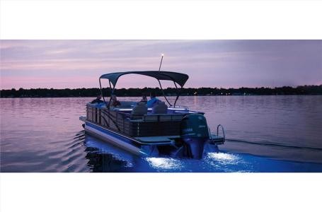 2021 Bennington boat for sale, model of the boat is 25 RSB & Image # 21 of 29