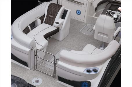 2021 Bennington boat for sale, model of the boat is 25 RXFBA DLX Fold Open SP Arch (Gas Assist) & Image # 14 of 25