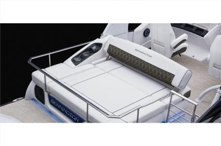 2021 Bennington boat for sale, model of the boat is 25 RSB & Image # 15 of 23