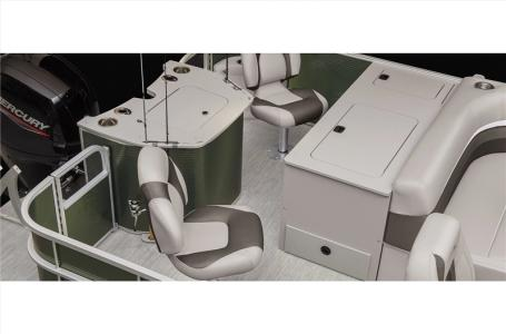 2021 Bennington boat for sale, model of the boat is 23 SSRX & Image # 19 of 23