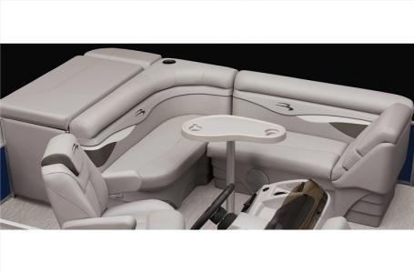 2021 Bennington boat for sale, model of the boat is 20 SVSR & Image # 9 of 12